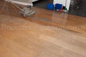 Reinigen oude vloer