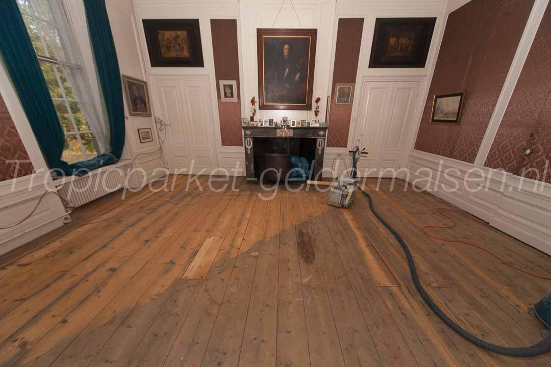 Houten ondervloer van een houten vloer with houten ondervloer